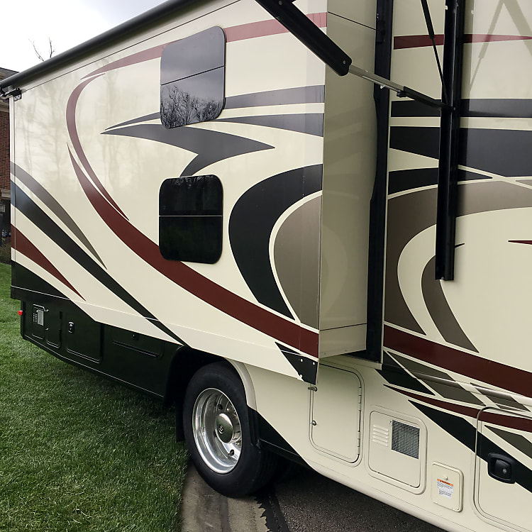 PAX side rear slide out - master bedroom storage area