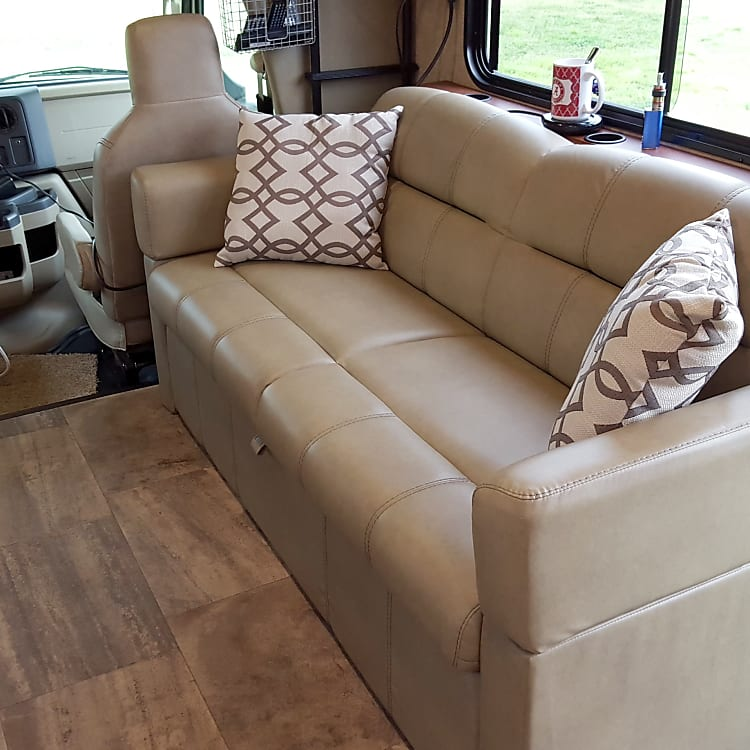 Jackknife couch
