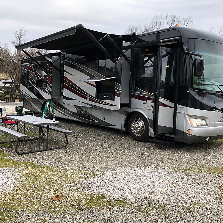 Love camping in this rig!