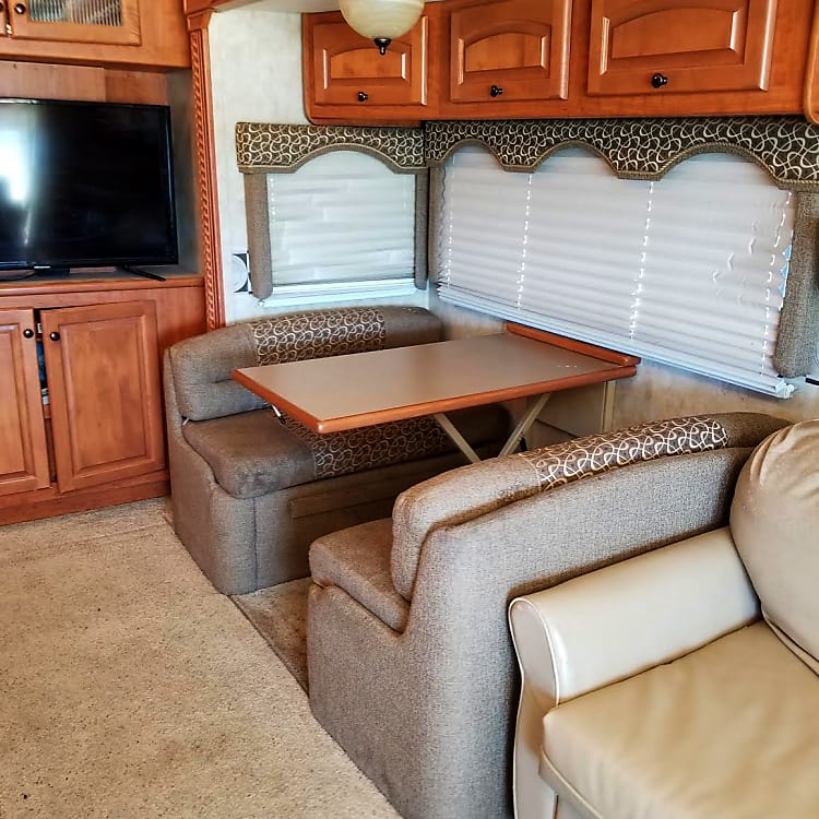Dinette that turns into a short full bed