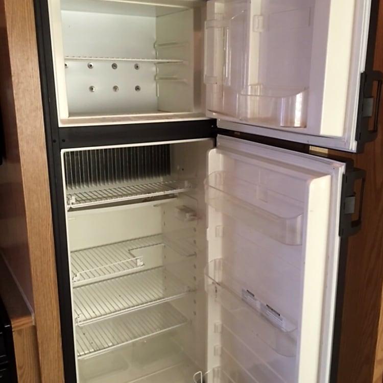 Full fridge separate freezer