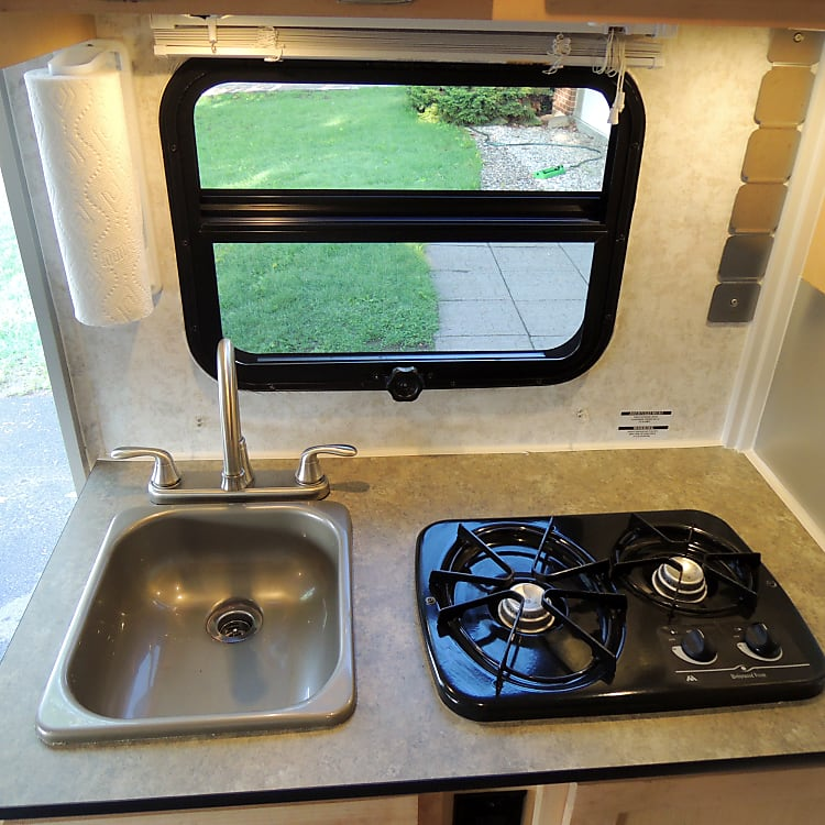 Kitchen Sink & Propane Stove