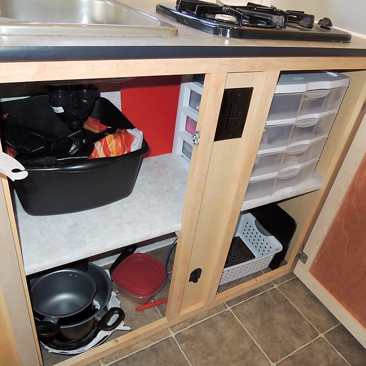 Kitchen Cabinets - Under Sink/Stove