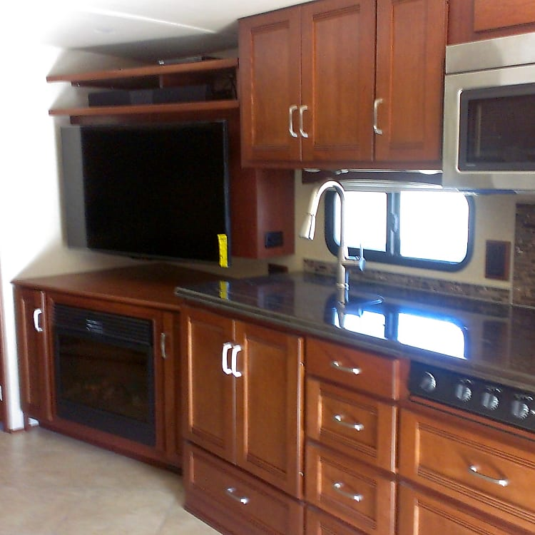 kitchen, entertainment, living area