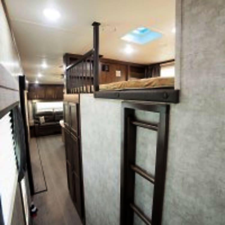 Upper bunk queen size for kids