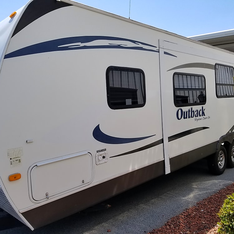 33 ft length provides plenty of room for all family members to relax and enjoy themselves.