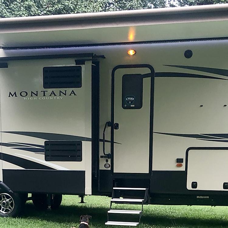 2018 Montana High Country 362 RD
