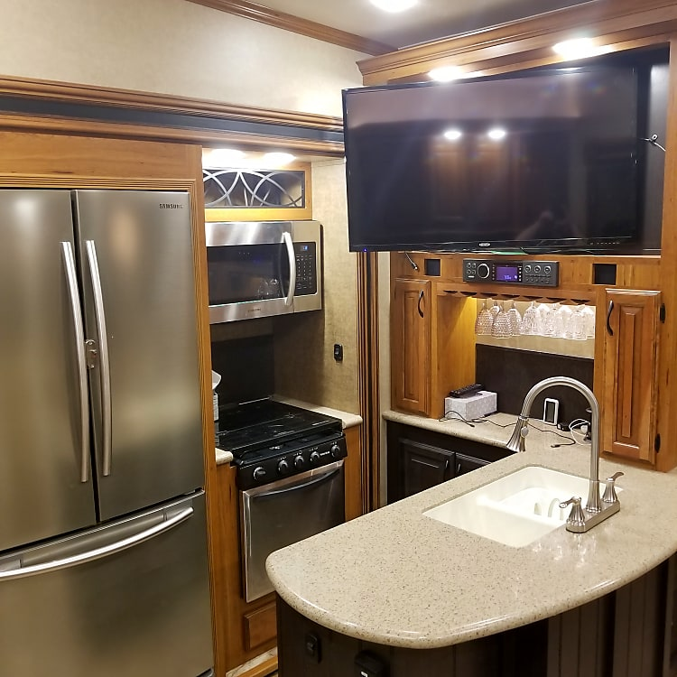"""Kitchen with 42"""" TV"""