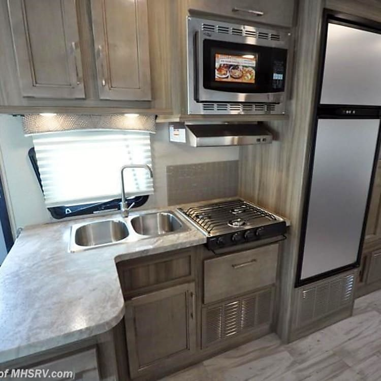 Equipped with a stove, convection microwave oven, fridge and sink