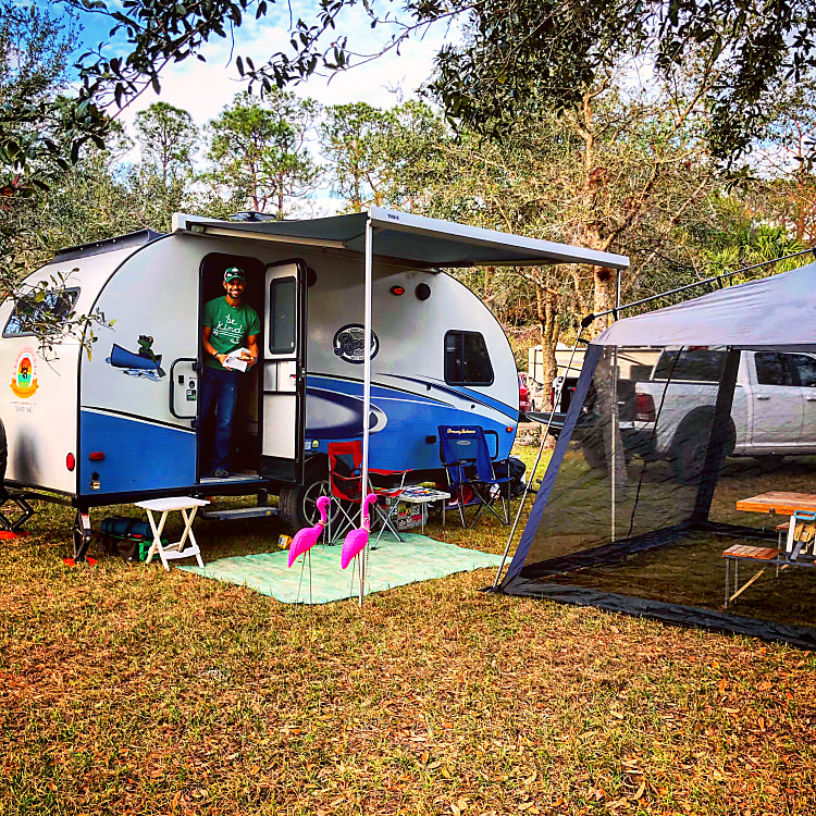 Great for dry camping at small festivals! -Actual travel trailer setup!