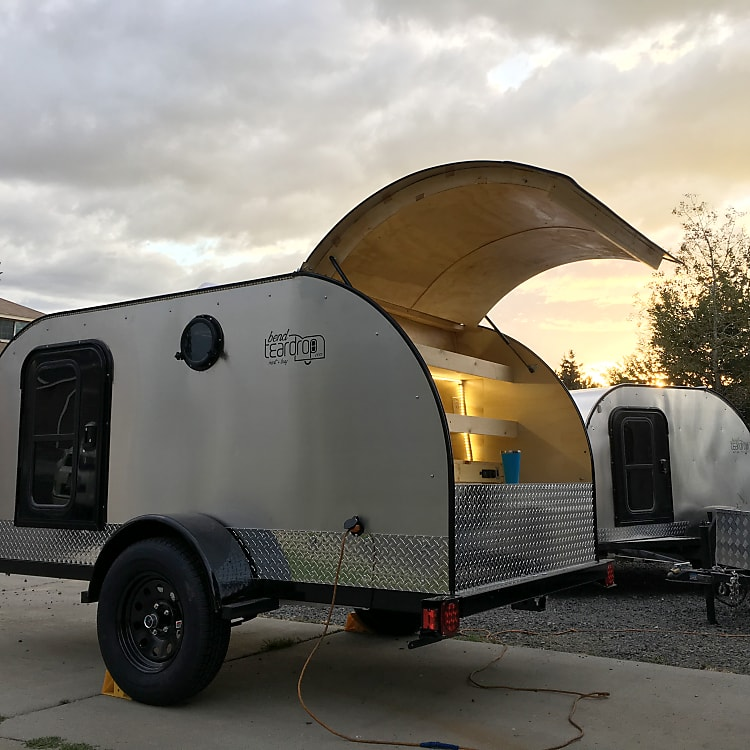 Ultra-Lite Teardrop Camper 1,200lb can be rowed by Subaru or almost any vehicle with a hitch