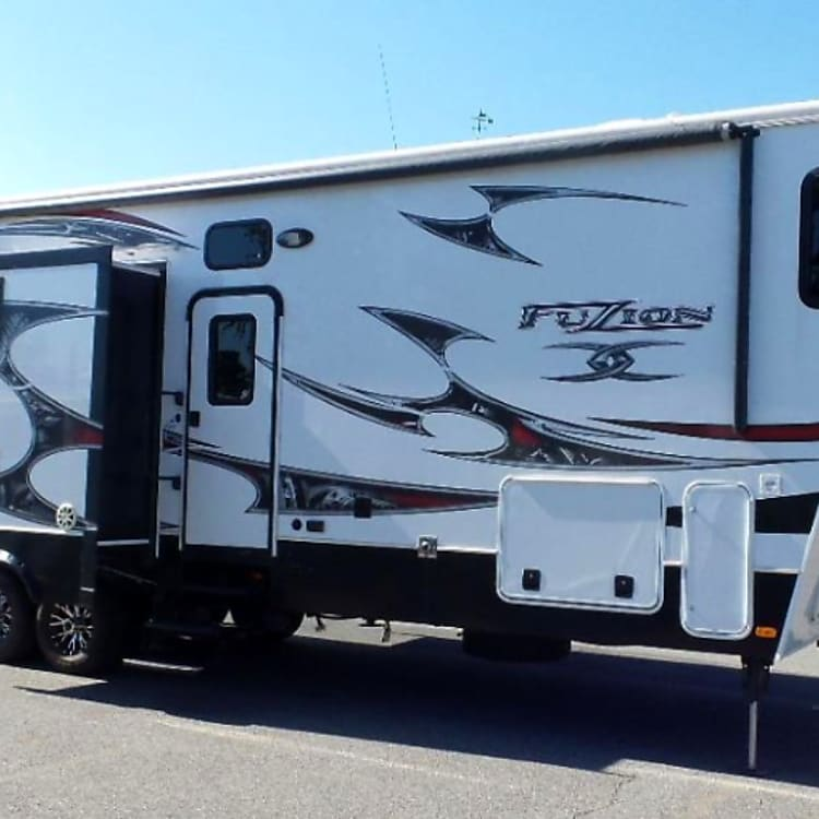 Side View of 40 ft Toy Hauler