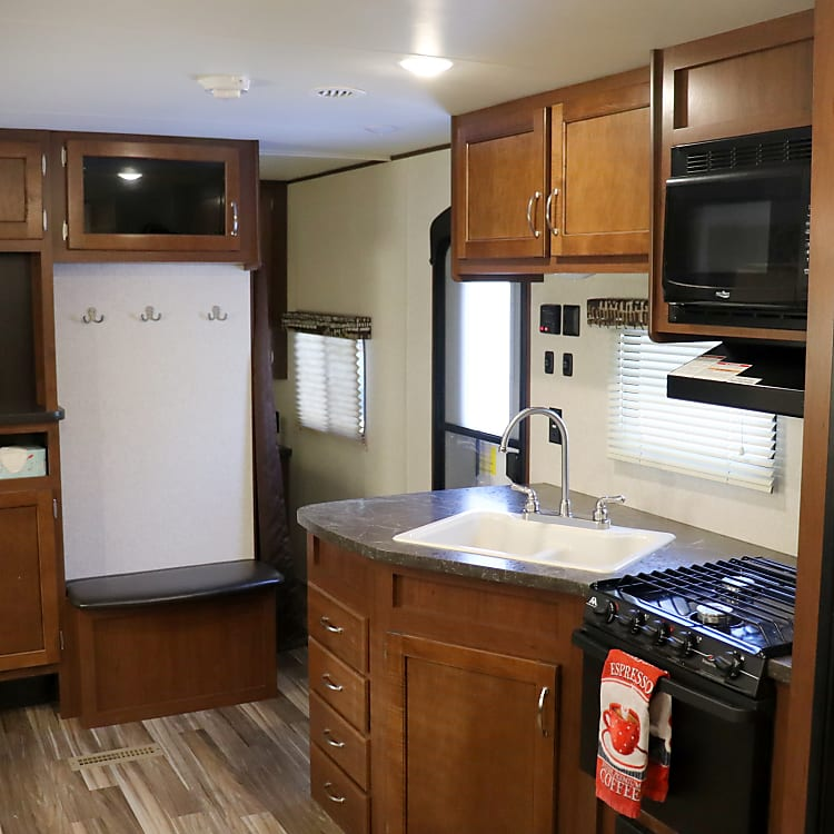 Kitchen area--Huge