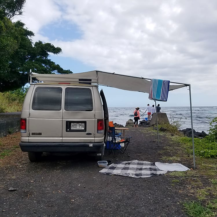 Punalu'u Black Sands Beach, Tarp kit is easy installation 10-15 minutes. Take down in 5 minutes.