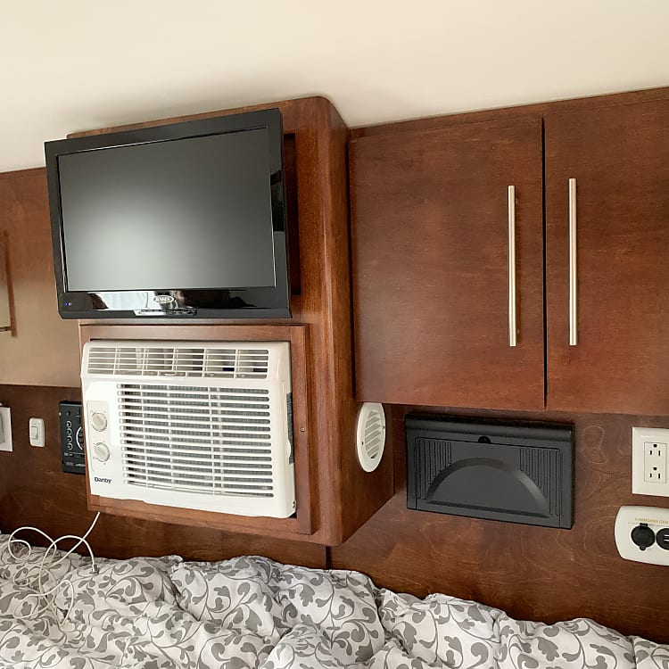 Inside relaxing Watch TV, crank up the AC