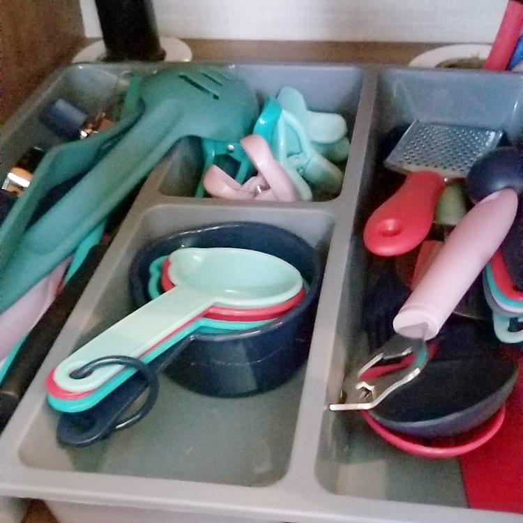 Fully stocked utensils