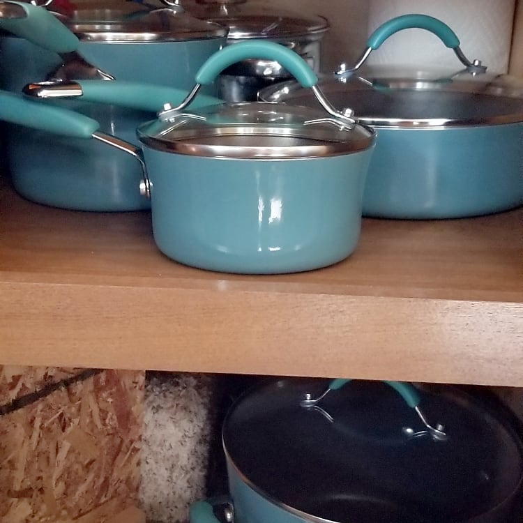 Fully stocked cookware