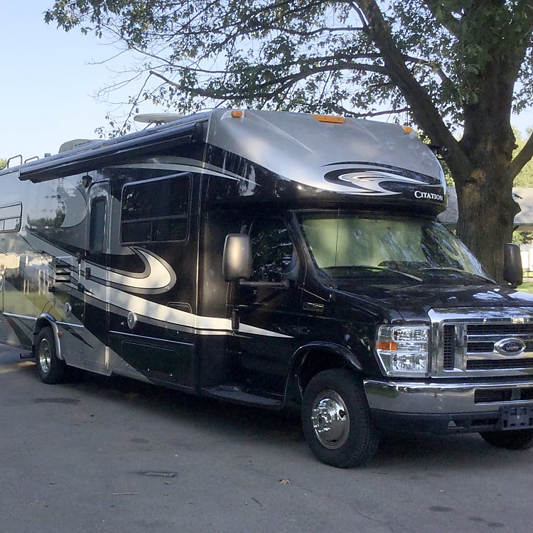 Outside look of RV.  Easy to drive.  Eye catching design.