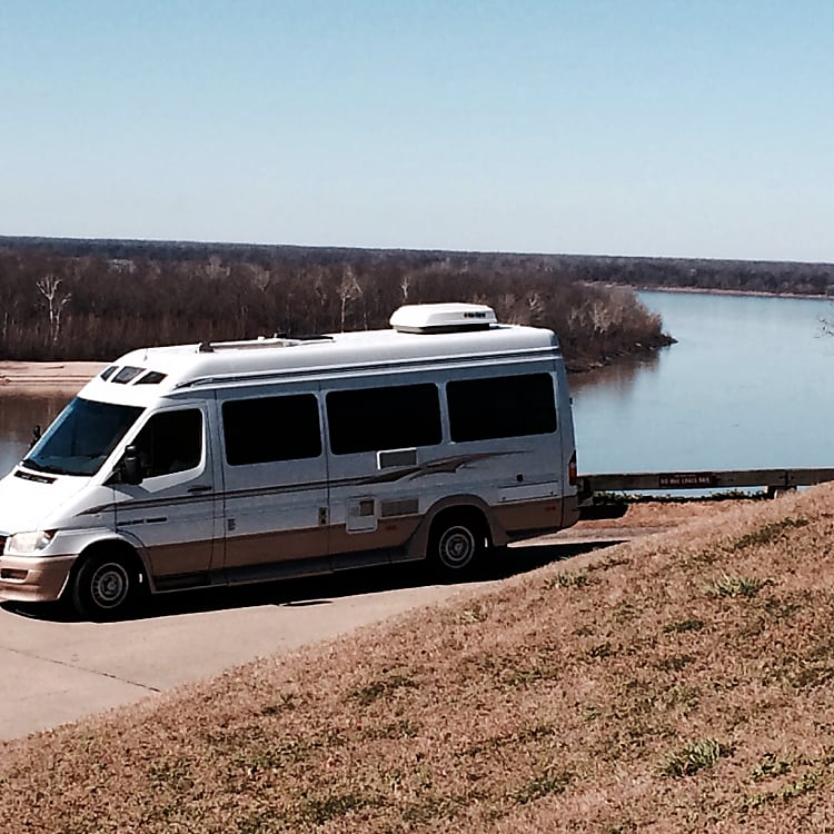 Touring is a breeze without the drag of a tow vehicle!  From the Mississippi river to Dallas on less than 2/3 of a tank!