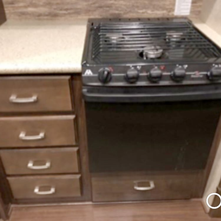 Kitchen - Stove and Oven