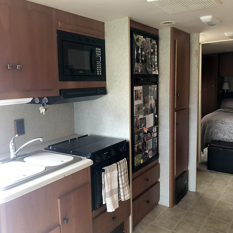 Sink, gas stove And oven, fridge