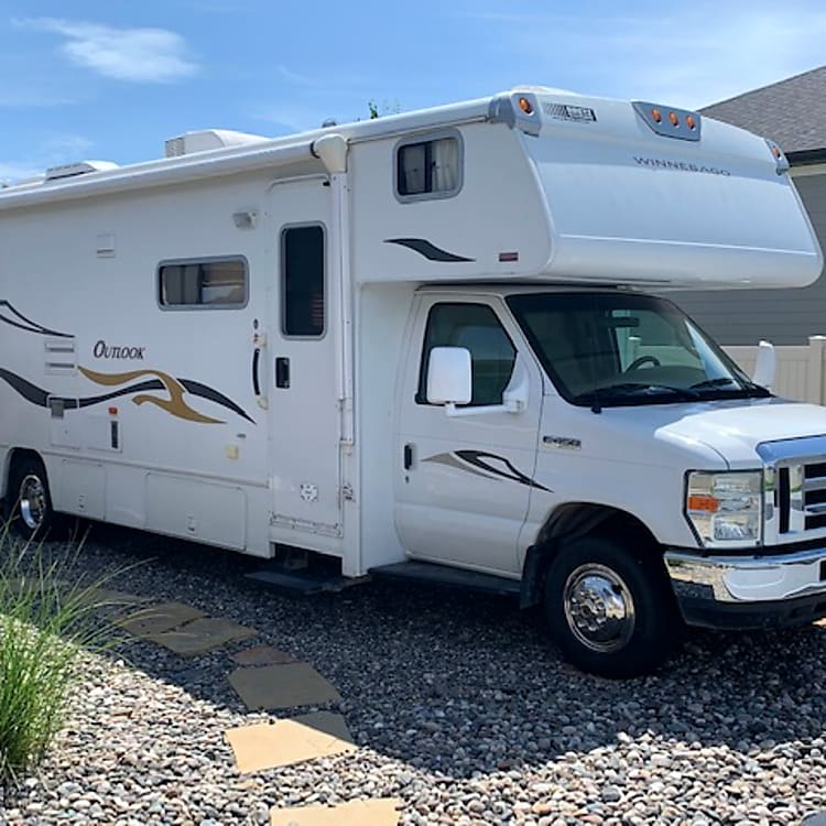 2008 Winnebago Outlook.  Go to our YouTube page to find out more about how it works:https://www.youtube.com/channel/UC11j_LFTwgXFPm2c73uP4-g