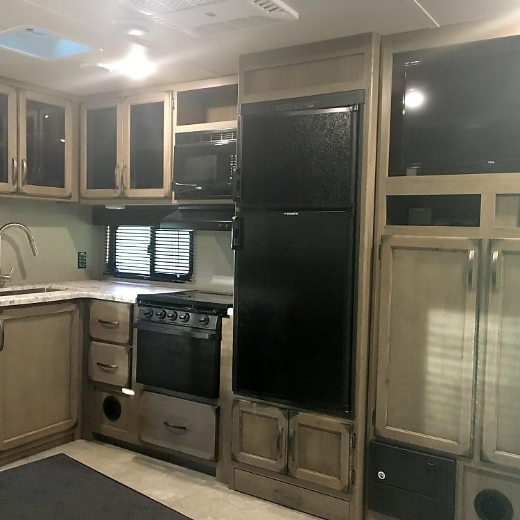Big roomy kitchen