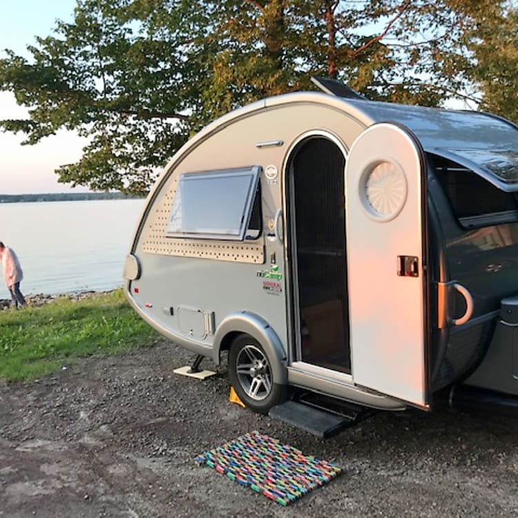 Small but mighty - this beautifully built T@B 320-S weighs less than 2000 lbs and is tow-able by most vehicles.  It is easy to manage and has everything you will need for an enjoyable camping experience.