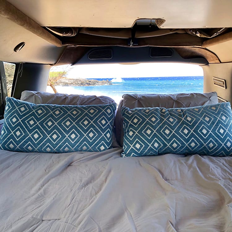 Incredible comfortable bed with a view!