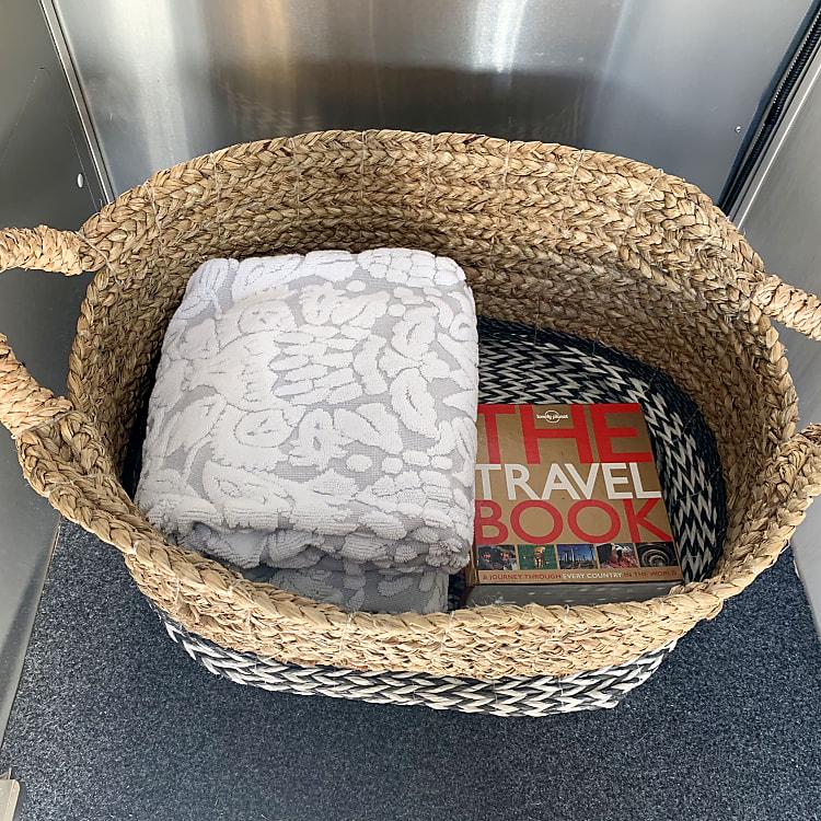 Extra towels & linens