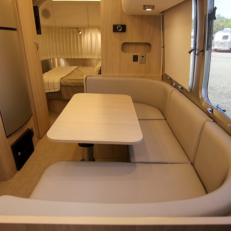 Dinette Table that converts to twin bed