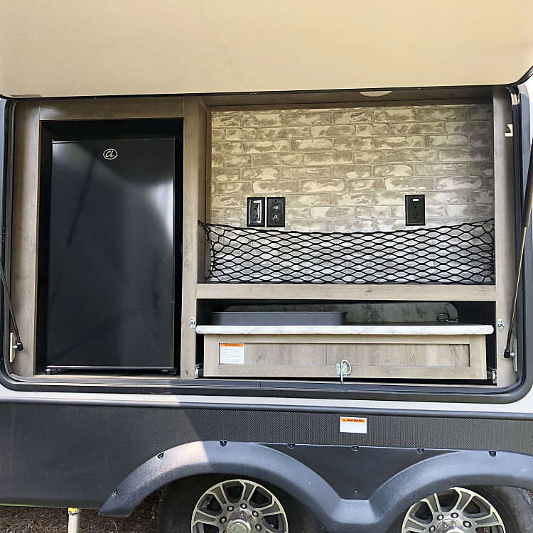 Outdoor Grill and Fridge