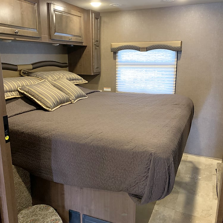 all sheets, pillows, comforters provided, xtra blanket above the bed avail, also green bay cooler, 3-back packs 1-side back pack, 3-fanny packs 2-dry bags avail to use above the bed
