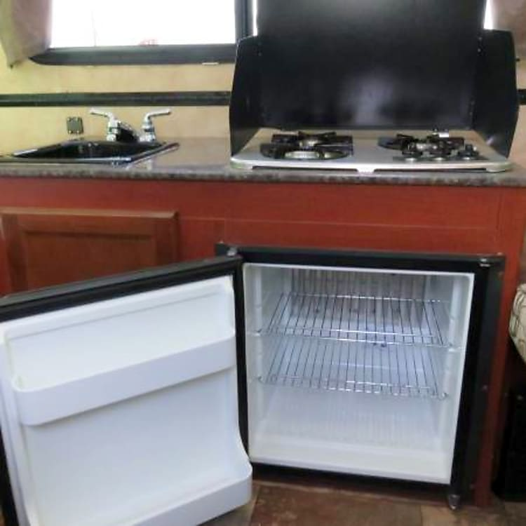 Fridge, Stove and Faucet