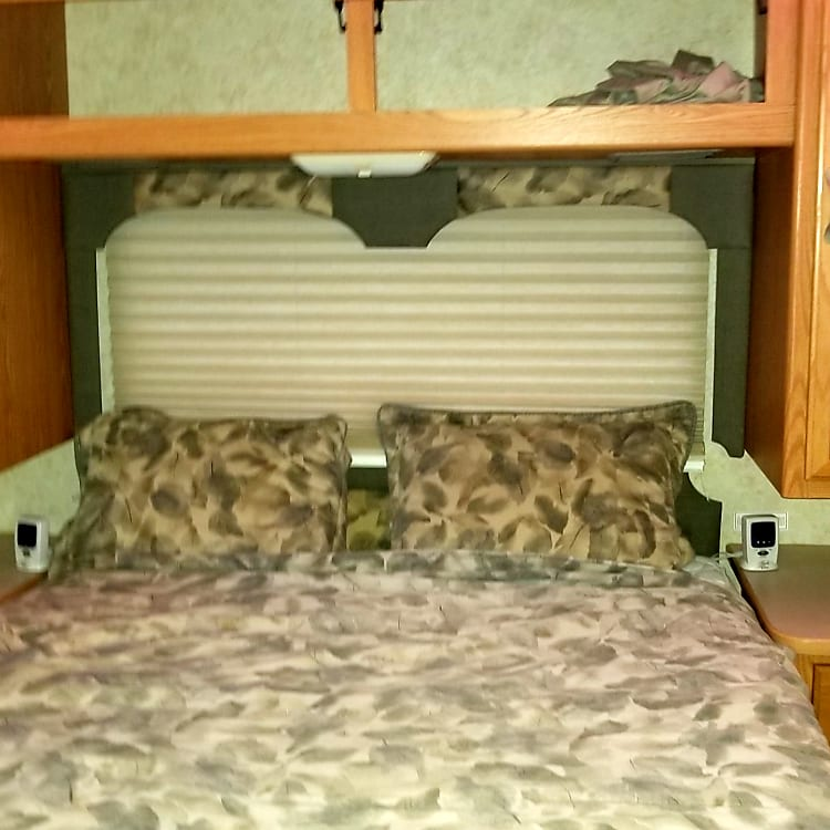 Comfortable Queen size bed with separate mattress pad heaters. Plenty of storage and cross fresh air ventilation.