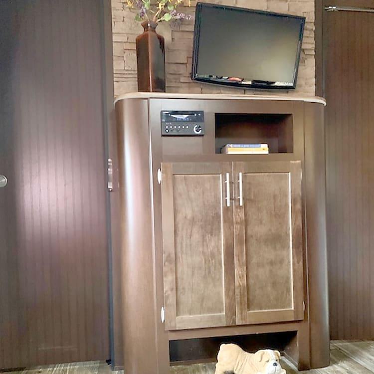 TV, DVD, CD and Radio