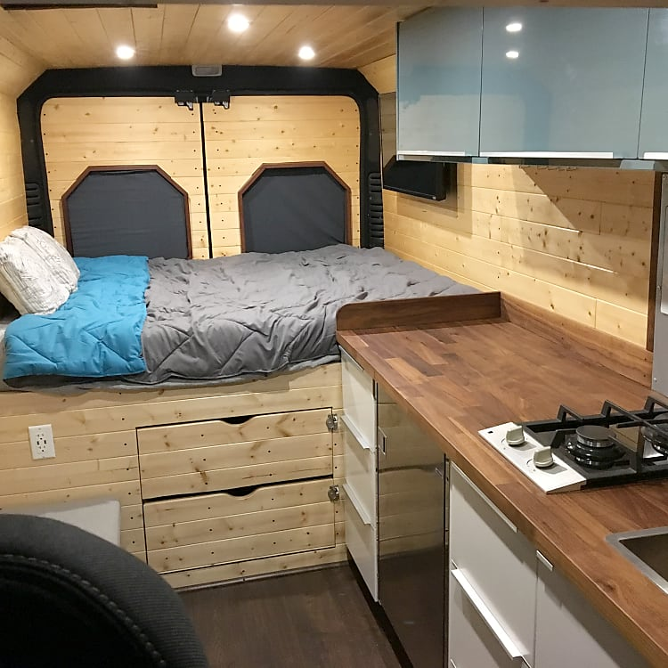 Luxurious, vacation cabin-like living quarters.