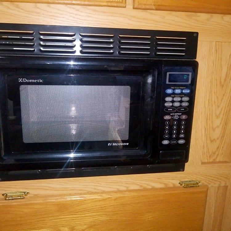 Built in microwave.