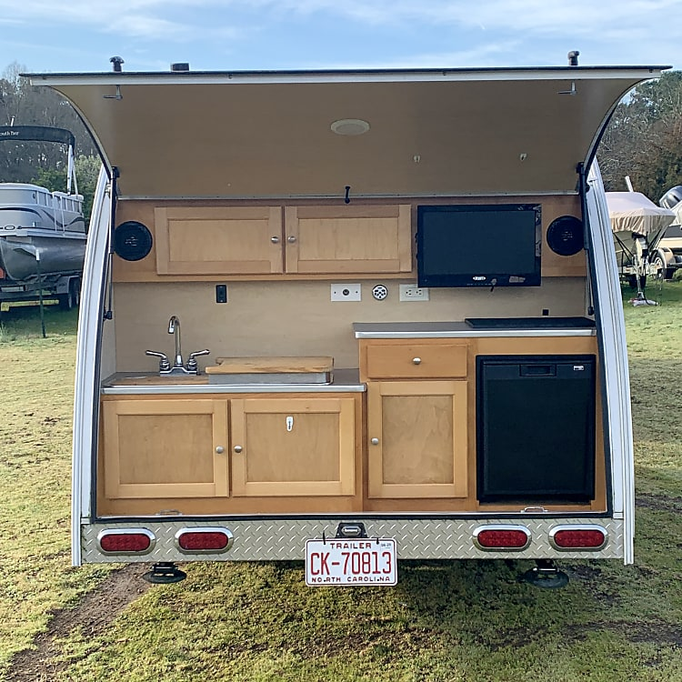 Open view of the rear kitchen galley