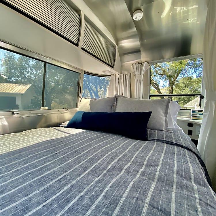 Queen-size memory foam mattress that is so comfy!