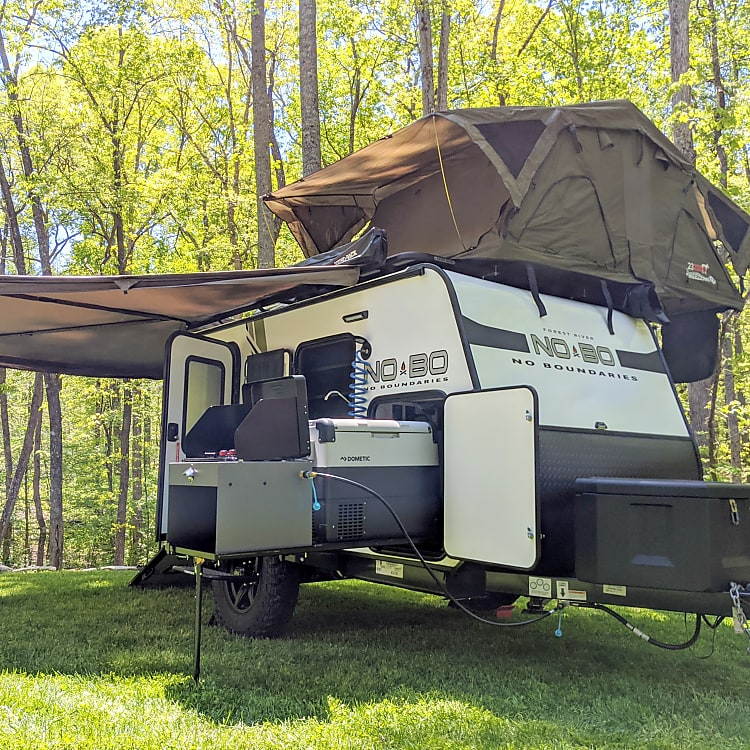 Awesome, versatile rig is perfect for Family Getaways, Overlanding, Tailgating, Hunting, and more!