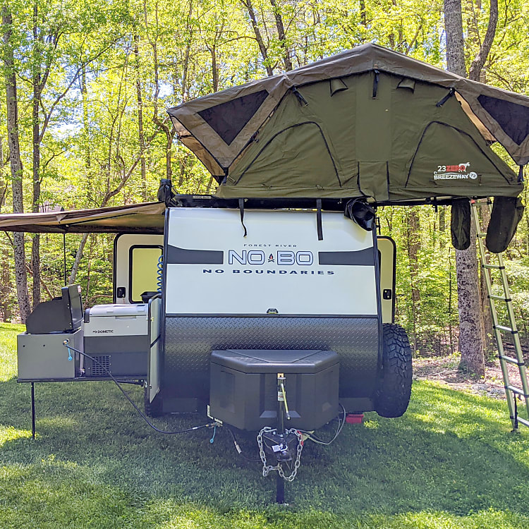 Available 23 Zero roof top tent (Add-on)