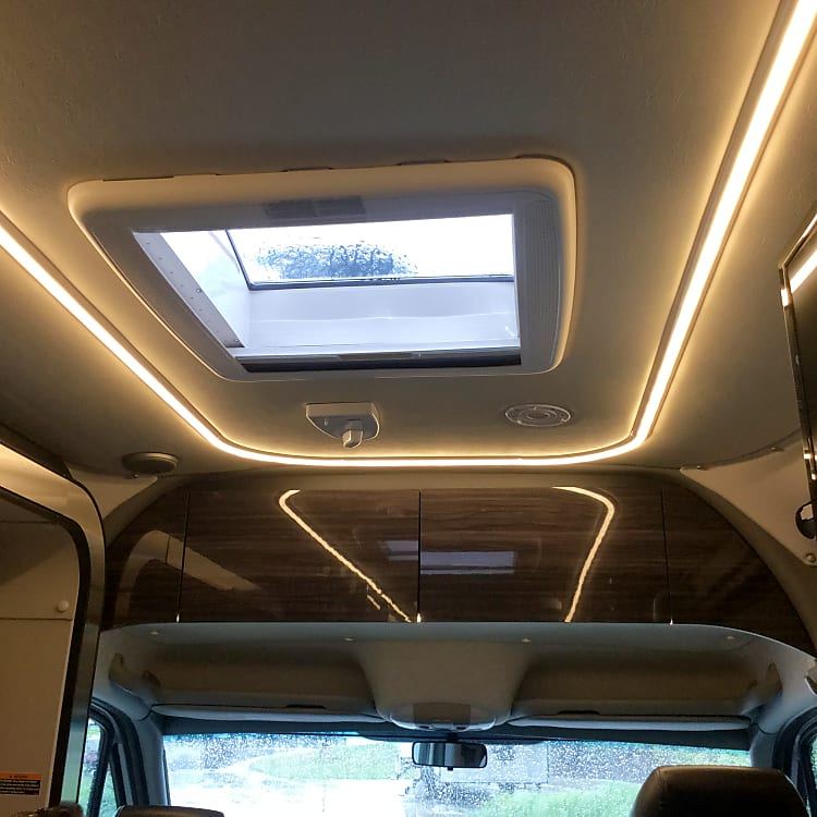 Sunroof and interior lighting