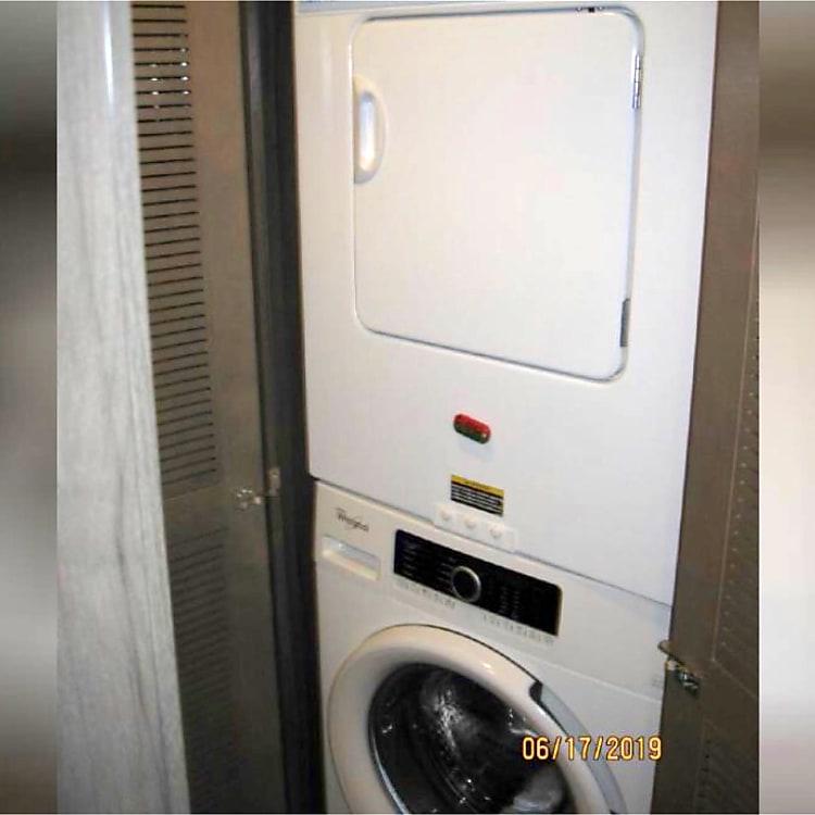 Laundry, Washer & Dryer