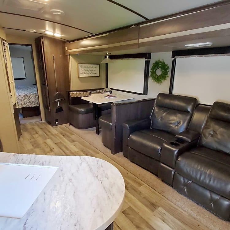 Living Room / Dinette