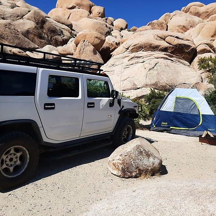Camp in Joshua Tree