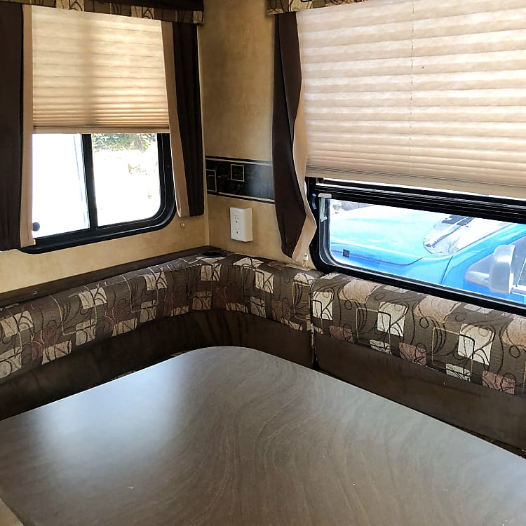 Large Dinette with extra bench space