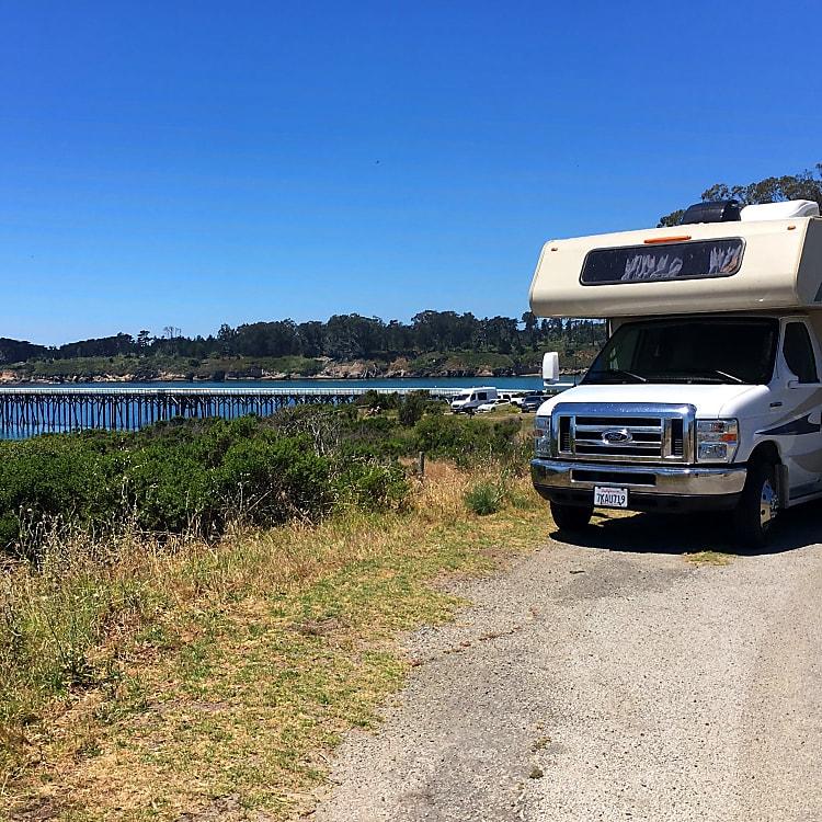 San Simeon State Park, Hearst San Simeon Beach and Pier