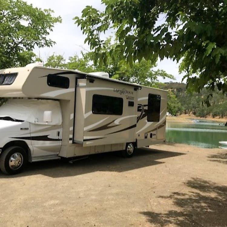 Traveling in a self-contained motorhome is a great way to keep your family safe and healthy in these challenging times.