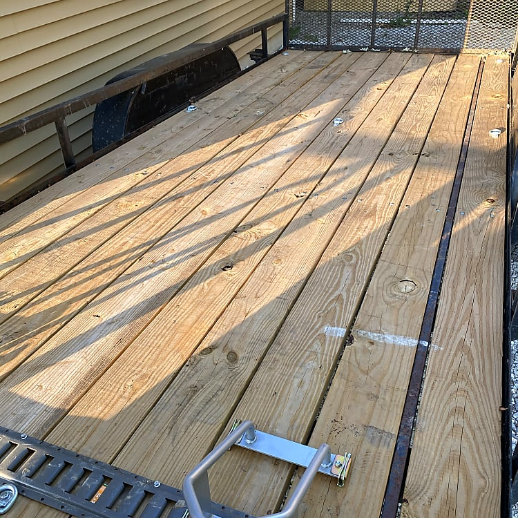 New decking with 8 tie-down points.